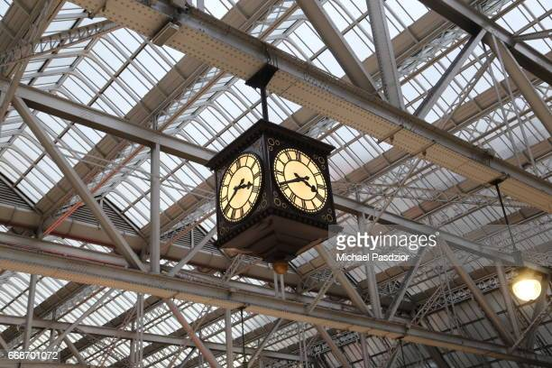 clock at central station