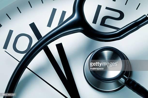 Uhr mit Stethoskop