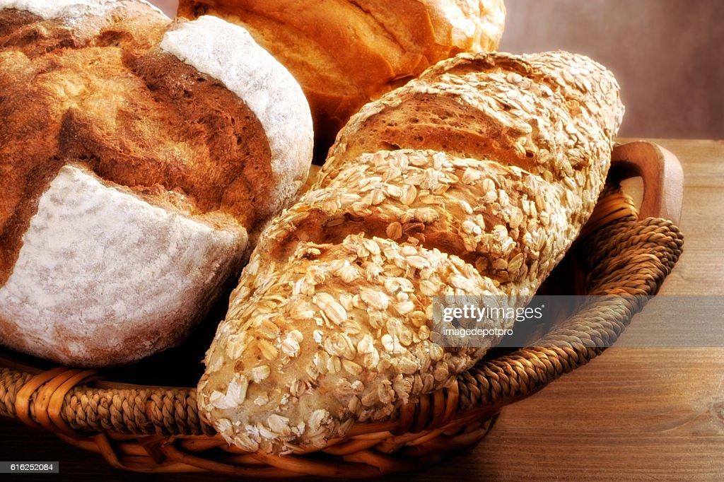 close up bread in basket : Foto de stock