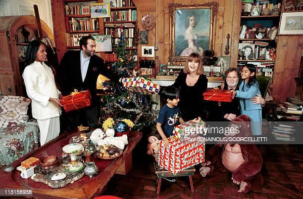 Close up Chantal Goya with family in Paris France on November 17 1999 Chantal Jean Jacques Jean Paul Brenda Samantha and Sanja