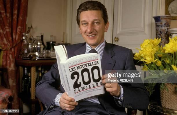 Close up Gabriel Milesi ecrivain journaliste et auteur du livre 'Les Nouvelles 200 Familles' le 16 decembre 1990 a Paris France