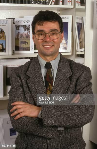 Close up Michel Thierry PDG des editions Siloe le 7 juillet 1993 a Laval France