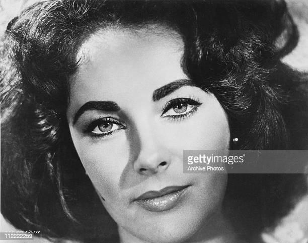 A close up of actress Elizabeth Taylor circa 1960