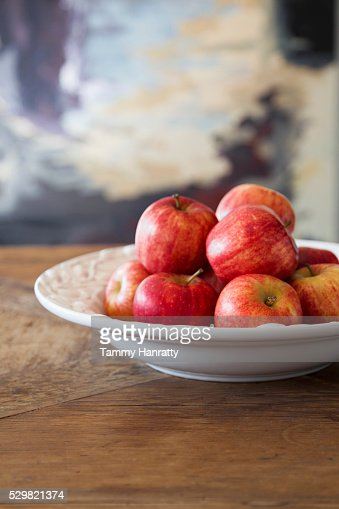 Close up of apples in bowl : Stock-Foto