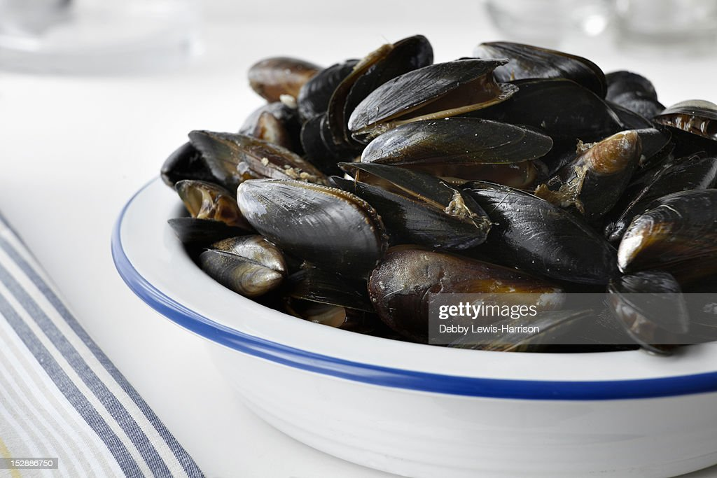 Close up of bowl of mussels