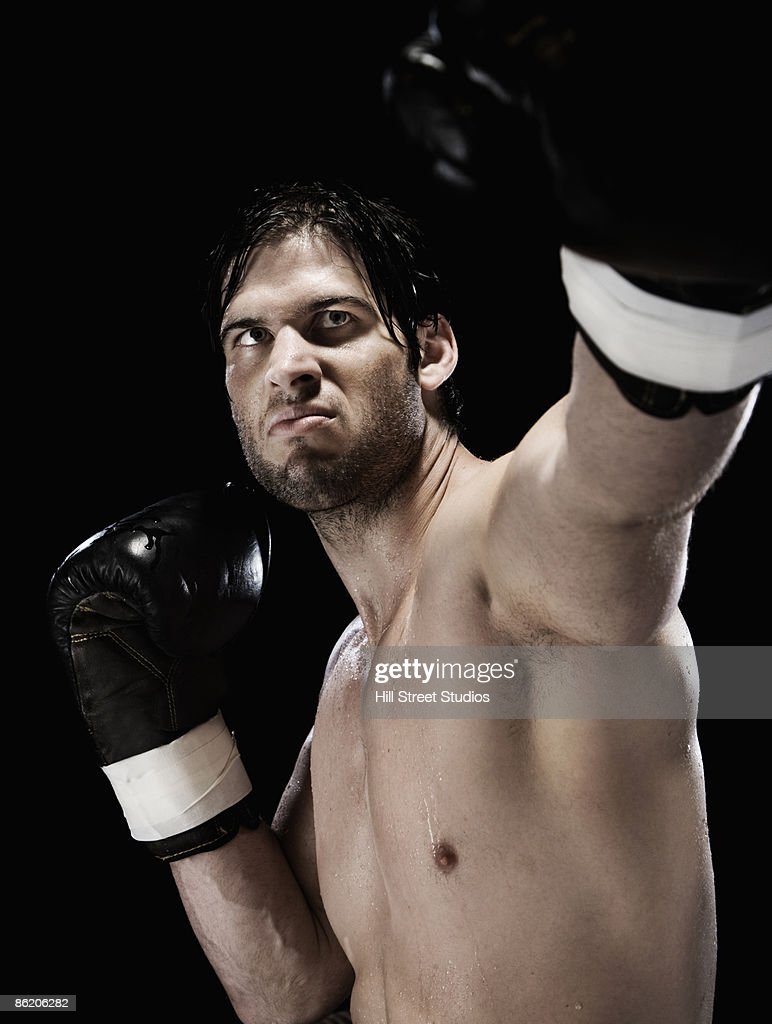Close up of boxer in boxing stance : Stock Photo