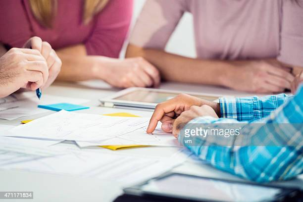 Close-up of Business Team arbeitet an einem Projekt
