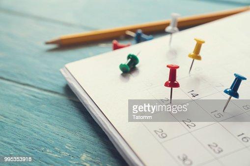Nahaufnahme des Kalenders auf dem Tisch, Planung für Geschäftstreffen oder Reiseplanung Konzept : Stock-Foto