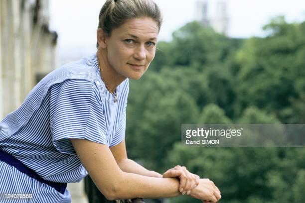 Close up of Elisabeth Badinter on June 24 1986