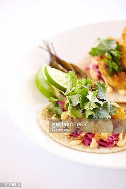 Nahaufnahme des fish tacos auf einer Platte
