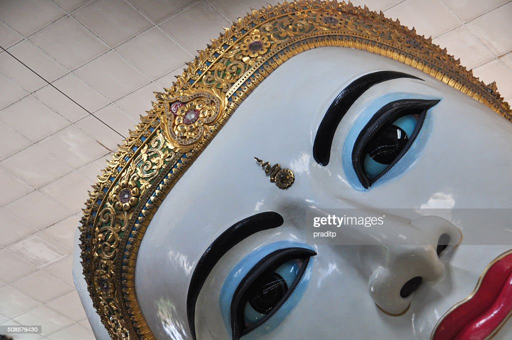 Close up of Giant reclining Buddha at Chaukhtatgyi temple : Stock Photo