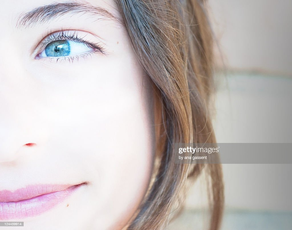 Close up of girl smiling : Stock Photo