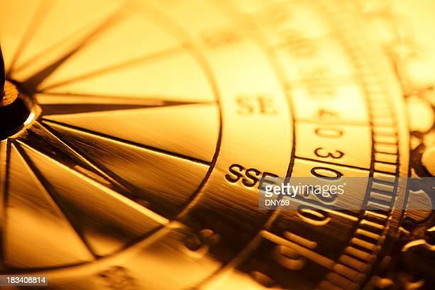 のクローズアップの冒険黄金の羅針盤