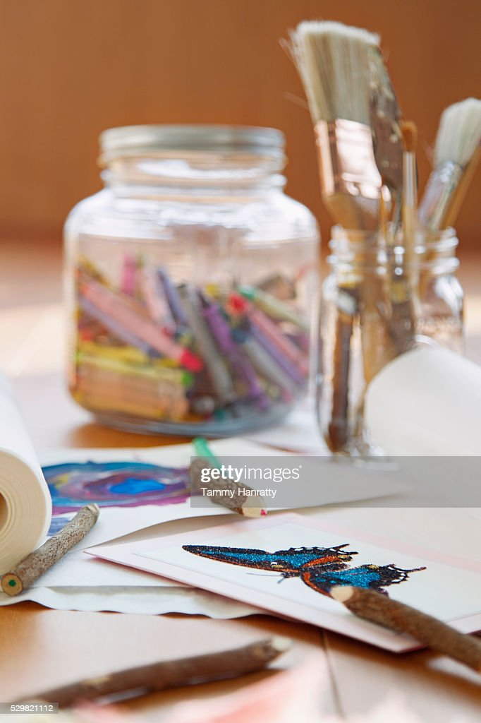 Close up of painting and drawing tools on desk : Foto stock