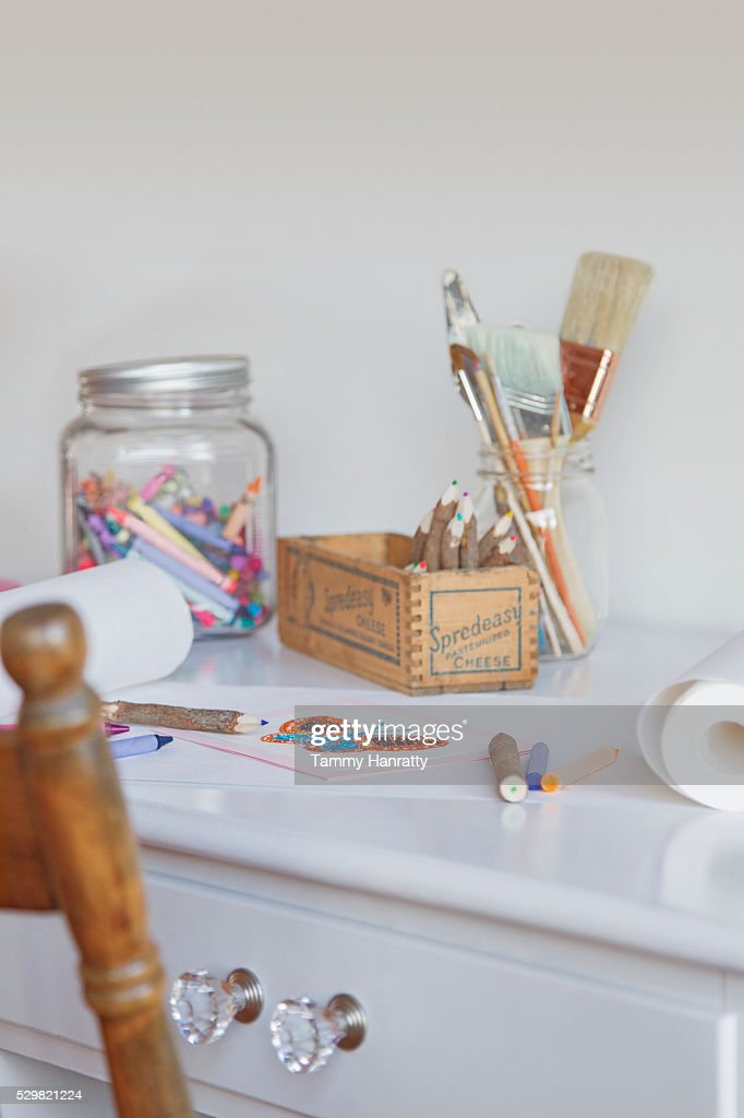 Close up of painting and drawing tools on desk : ストックフォト