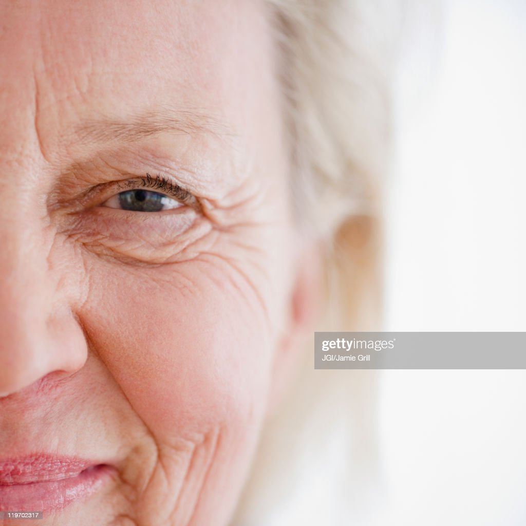 Close up of smiling Caucasian woman : Stock Photo