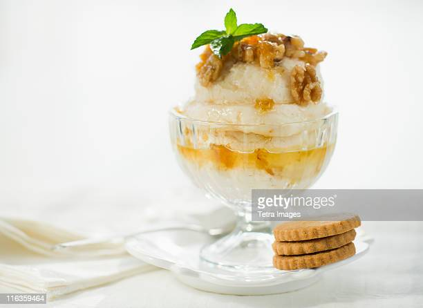 Close up of sundae and cookies