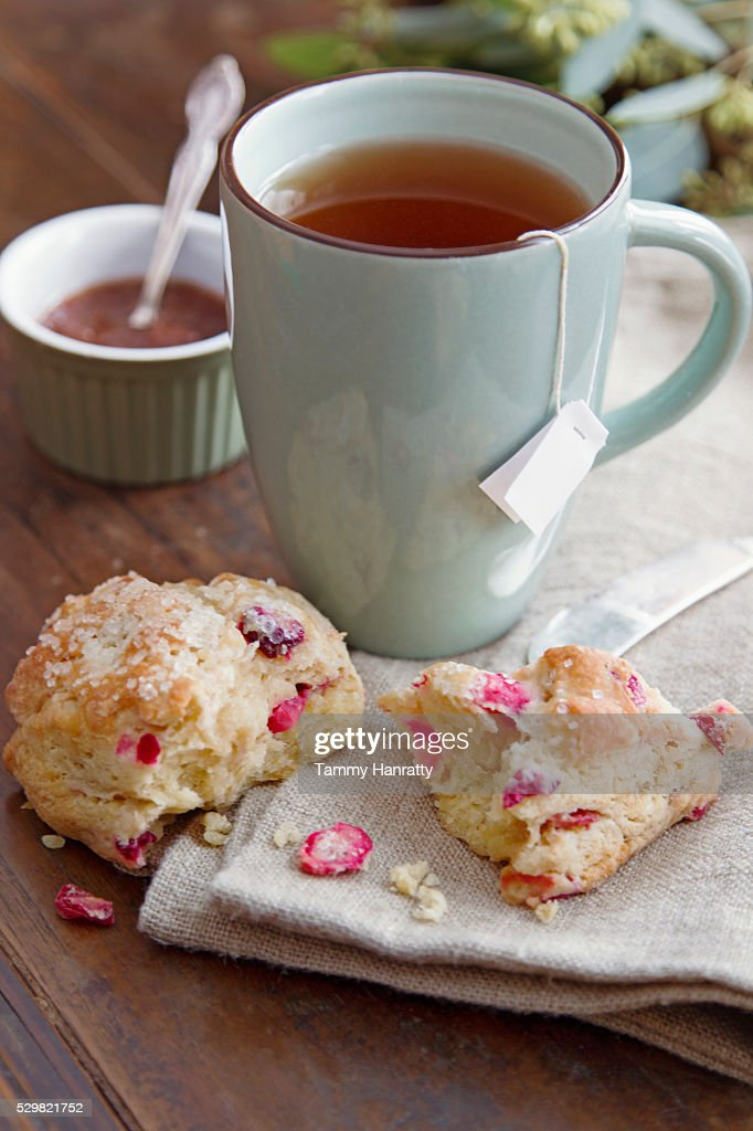 Close up of tea and cookie : Foto de stock