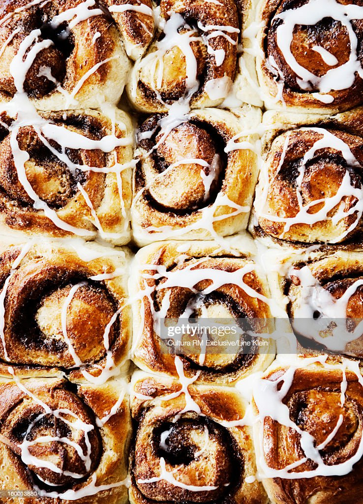 Close up of tray of cinnamon buns
