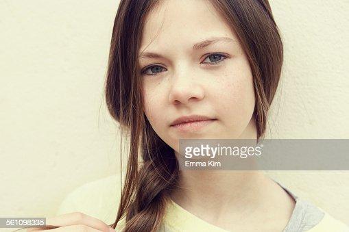 Sperma Make Up für junge Schlampe Mary
