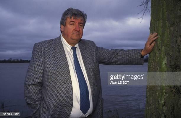Close up Rene Trager auteur du livre 'L'affaire Trager' sur son role dans le financement occulte du Parti socialiste francais le 21 novembre 1992 a...