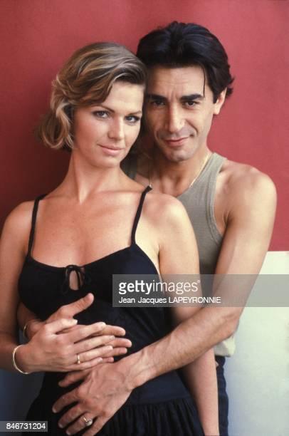 Close up Richard Berry et Jeane Manson le 27 juillet 1983 a Paris France