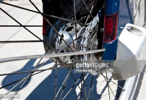 Close up view of rear bicycle wheel : Stock-Foto