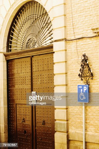 Closed door of a house, Toledo, Spain : Foto de stock