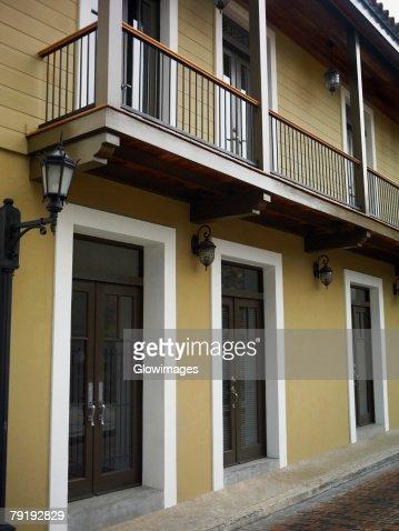 Closed doors of a building, Old Panama, Panama City, Panama : Foto de stock