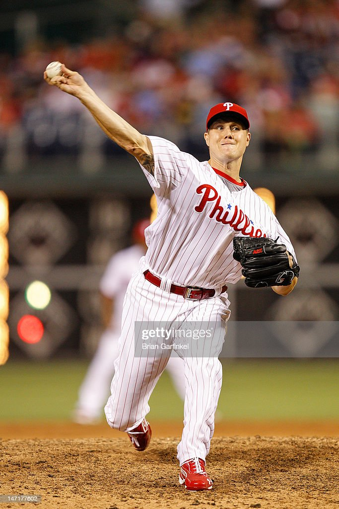 Closer <a gi-track='captionPersonalityLinkClicked' href=/galleries/search?phrase=Jonathan+Papelbon&family=editorial&specificpeople=453535 ng-click='$event.stopPropagation()'>Jonathan Papelbon</a> #58 of the Philadelphia Phillies throws a pitch during the game against the Pittsburgh Pirates at Citizens Bank Park on June 26, 2012 in Philadelphia, Pennsylvania. The Phillies won 5-4.