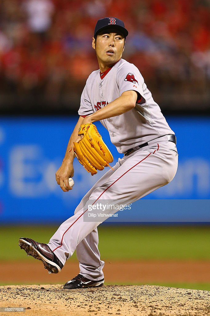Closer <a gi-track='captionPersonalityLinkClicked' href=/galleries/search?phrase=Koji+Uehara&family=editorial&specificpeople=801278 ng-click='$event.stopPropagation()'>Koji Uehara</a> #19 of the Boston Red Sox pitches against the St. Louis Cardinals in the ninth inning at Busch Stadium on August 6, 2014 in St. Louis, Missouri. The Red Sox beat the Cardinals 2-1.