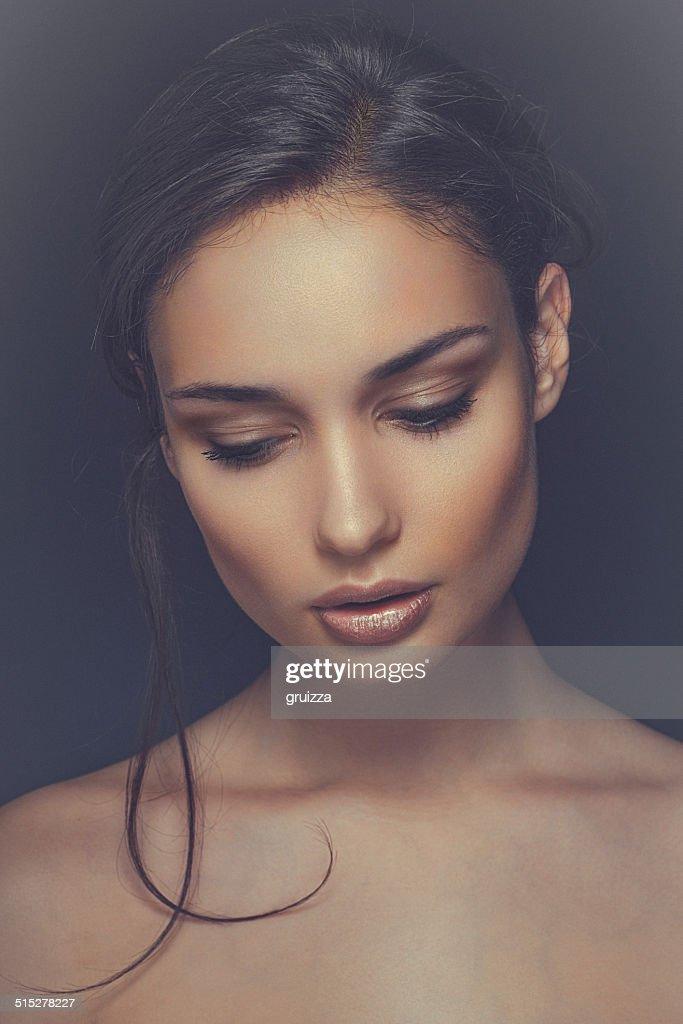 Closeup Portrait Of A: Closeup Beauty Portrait Of A Smiling Beautiful Brunette