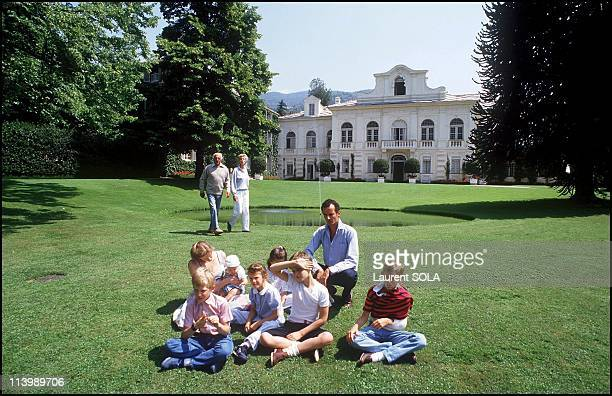 Closeup Giovanni Agnelli and family In Turin Italy On July 16 1986Foreground Eduardo Agnelli