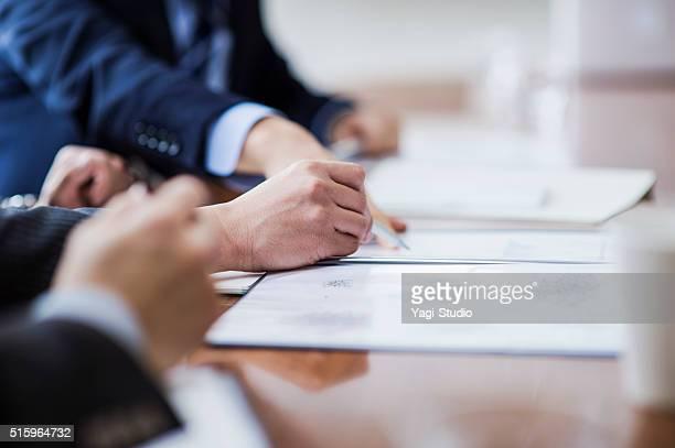 Nahaufnahme eines kontraktlicher Hand