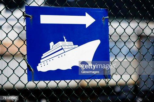 Close-up of a directional sign, Nawiliwili Beach Park, Kauai, Hawaii Islands, USA : Stock Photo