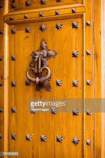 Close-up of a doorknocker, Toledo, Spain : Foto de stock