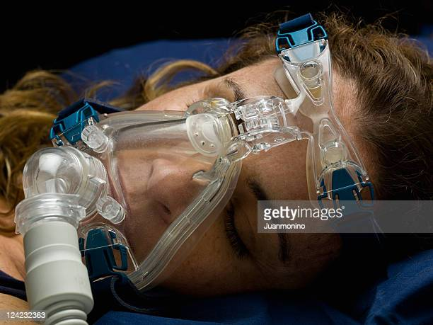 Close-Up di un paziente con una maschera per la respirazione