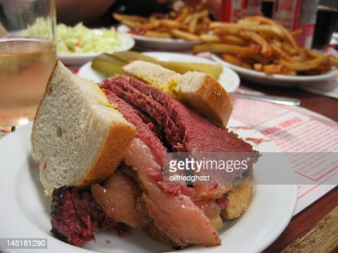 Close-up of a Montreal smoked meat sandwich : Stock Photo