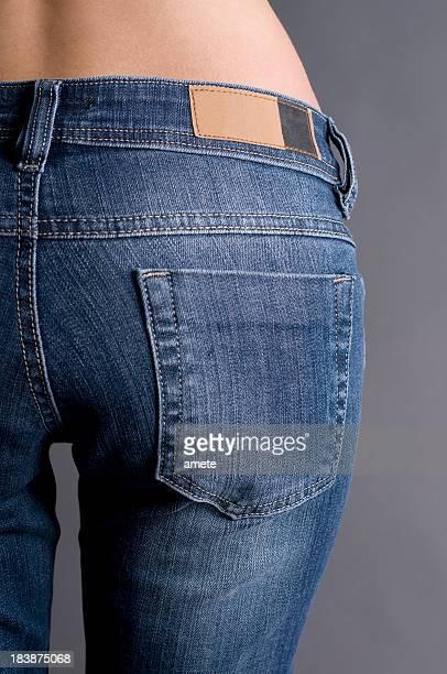 Calças de ganga com uma etiqueta blank (