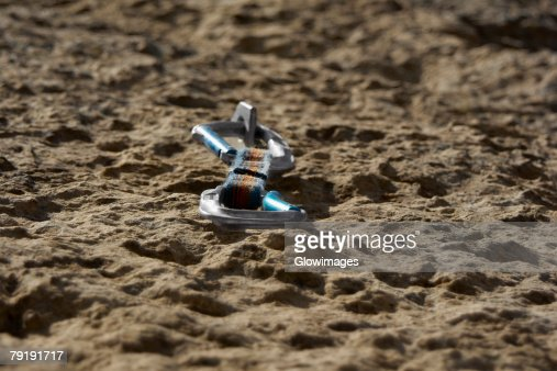 Close-up of a quickdraw fixed on a rock : Stock Photo