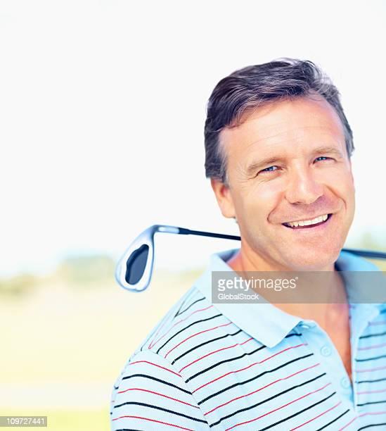 Gros plan de réussir un golfeur
