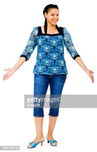 Primer plano de una mujer posando : Foto de stock