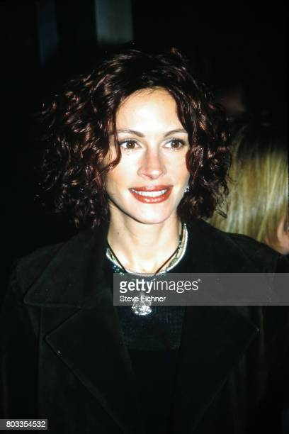 Closeup of American actress Julia Roberts as she attends the premiere of 'Frequency' at Ziegfeld Theater New York New York April 26 2000