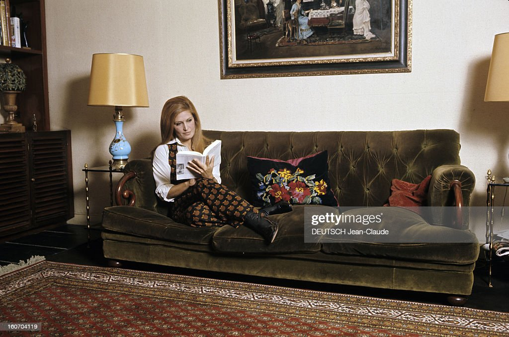 Quelle Couleur Mettre Dans Un Salon Of Dalida Getty Images