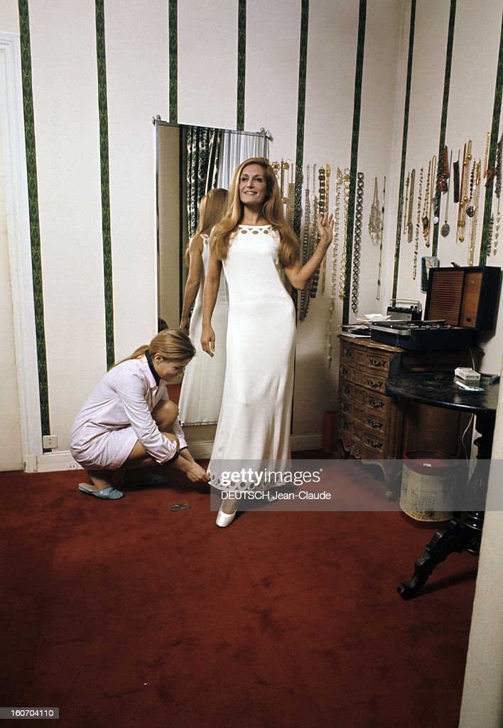Dalida getty images for Nue dans son salon