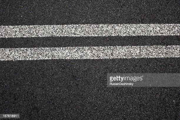 Straße mit zwei Leitungen
