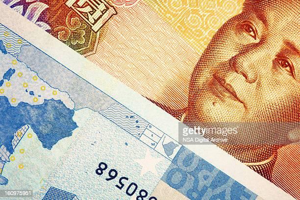 Nahaufnahme der Europäischen Union Euro Note und chinesischen Yuan Banknote
