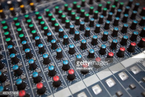 Close-up of sound recording equipment in studio : Stock-Foto