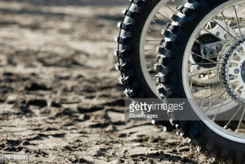 Close-up of tires of motorcycles : Foto de stock