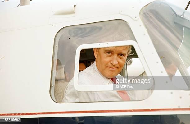 CloseUp Of Wernher Von Braun Aux EtatsUnis portrait de Wernher VON BRAUN à travers la fenêtre de la cabine de pilotage de son avion